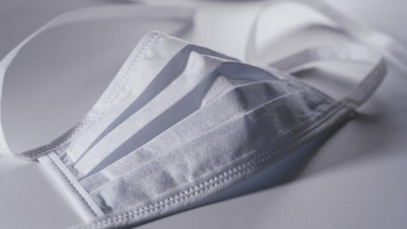 Como fazer sua máscara de tecido em casa sem máquina de costurar